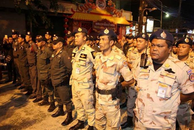 Des mesures de répression font fermer les bars de Bangla Road plus tôt