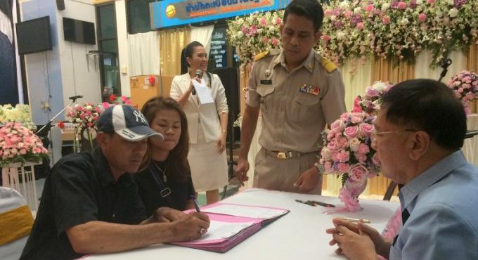 Enormément de couple se sont mariés à Phuket le jour de la St Valentin