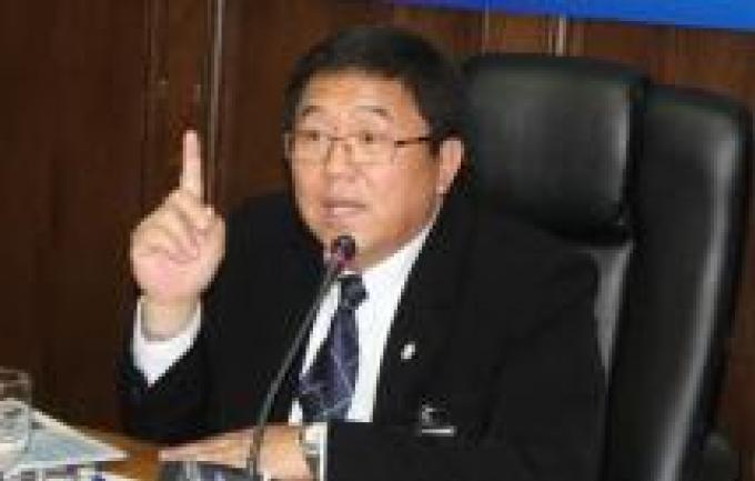 L'agence anticorruption et le gouverneur de Phuket s'affronte sur des accusations de corruption