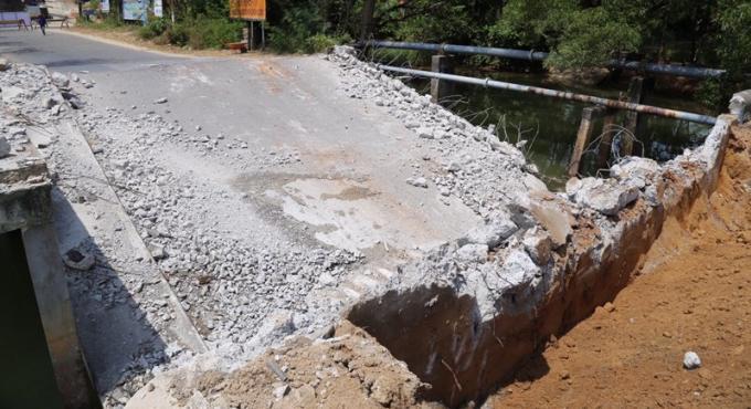 Deux mois et 1.3 millions de baths de budget pour réparer un pont effondré de Rawai