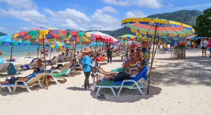 Les chaises longues seront de retour sur toutes les plages de Phuket