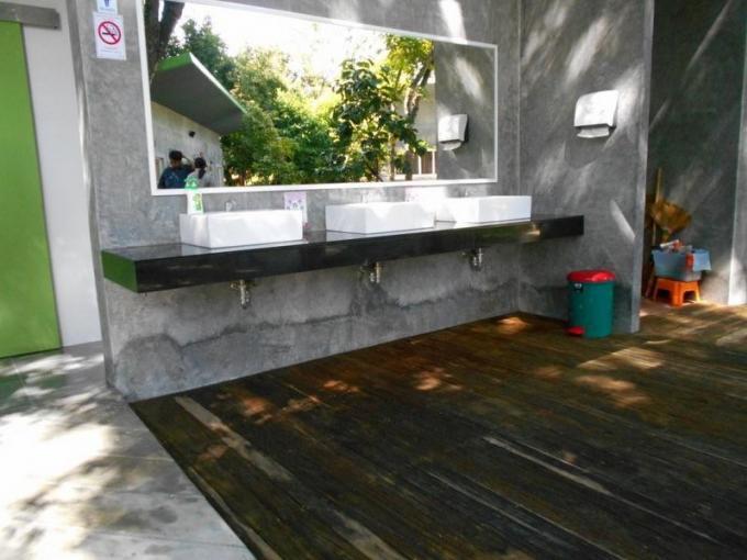 Phuket remporte trois prix lors des trophées des meilleures toilettes publiques