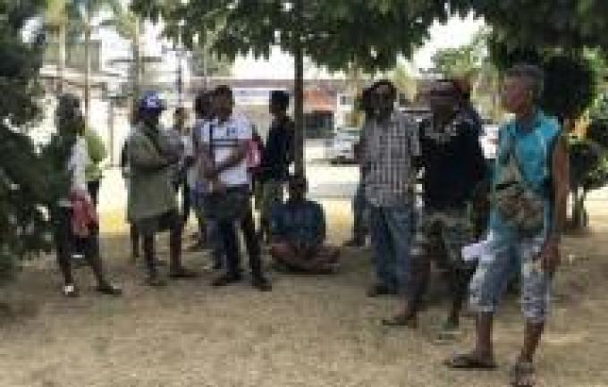 Les vendeurs de Surin inquiet de leur éviction de la 'zone des 10%'