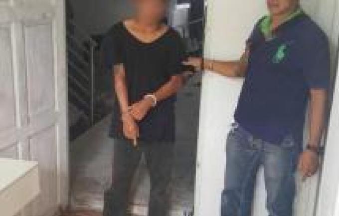 Trois personnes arrêtées après avoir volé une touriste allemande