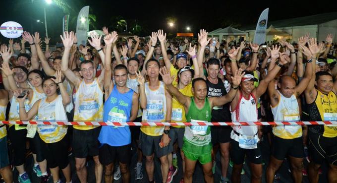 """Des milliers participeront à la """"Run Paradise"""" du Laguna Phuket Marathon 2017"""