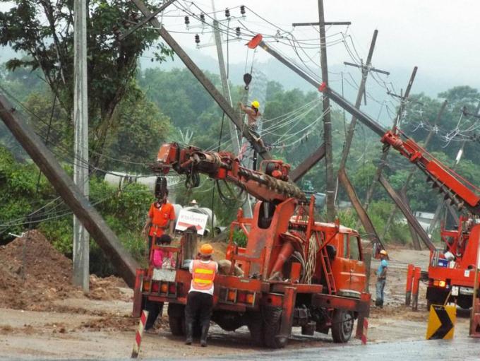Des crues éclaires coupent les routes et l'approvisionnement en électricité