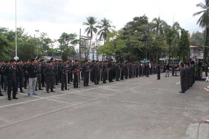 La police de Phuket prête pour Songkran