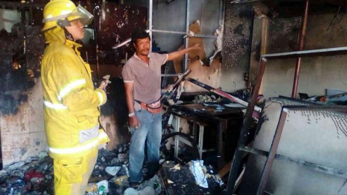 Une maison prend feu alors qu'un enfant de 9 ans est seul à l'intérieur