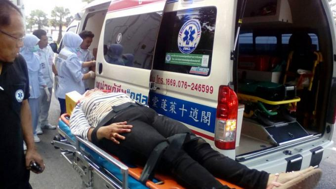 Un jeune homme de 15 ans et sa mère survivent après avoir percuté un camion