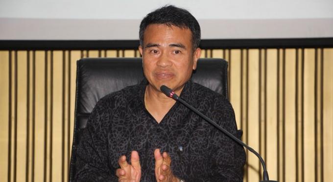 Le gouverneur de Phuket demande aux officiels d'être exemplaires