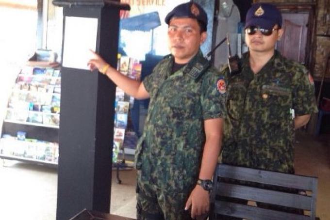 Les fonctionnaires de Phuket envisagent l'article 44 pour Surin Beach