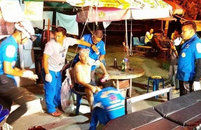 La police tente d'identifié un étranger âgé retrouvé blessé à Phuket Town