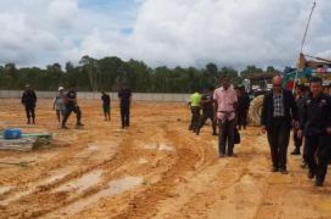 Enquête sur un terrain appartenant à une compagnie après la destruction de centaines d'arbres