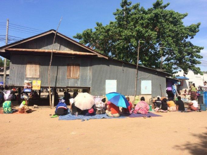 Les sea gypsies acceptent de quitter leurs maisons