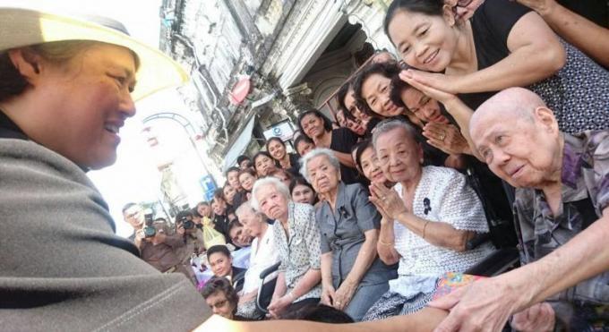 La Princesse Sirindhorn arrive à Phuket pour une visite de deux jours