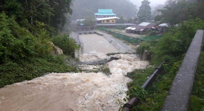 Alerte météo, les routes de Phuket inondées