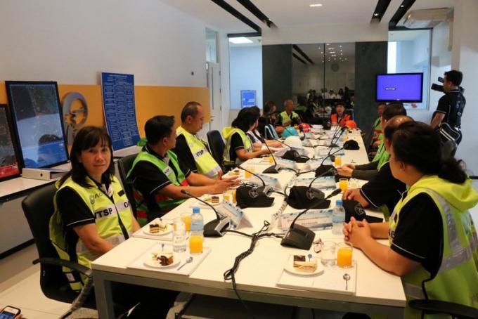 Exercices 'Tsunami' a l'aéroport de Phuket