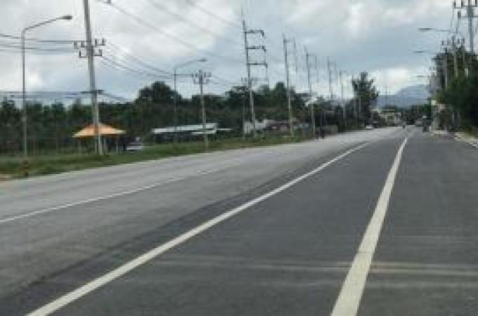 Les habitants demandent des réparations sur une route 'dangereuse'