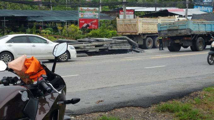 Des dalles de bétons tombent sur la route, aucun blessé