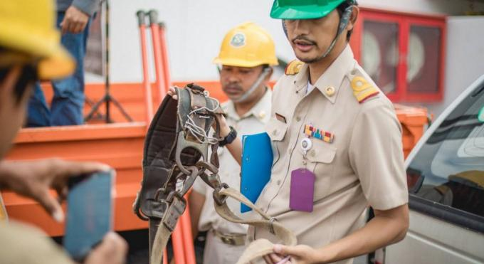 Les débats au sujet des câbles à Patong forcent le gouverneur à demander la publication de notes