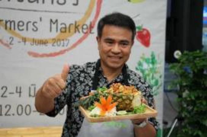 Le gouverneur de Phuket inaugure le Farmers Market