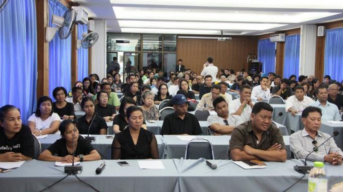 Phuket répond en masse aux 'Quatre Questions' du premier ministre Prayut