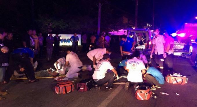 Accidents à grande vitesse, trois morts, les stewards et hôtesses de l'air chinois s'en sorten