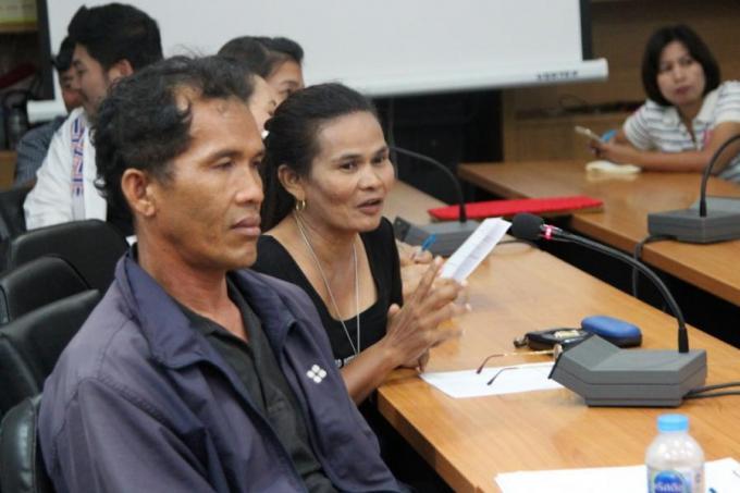 Les vendeurs de Koh Siray mécontents de la clôture