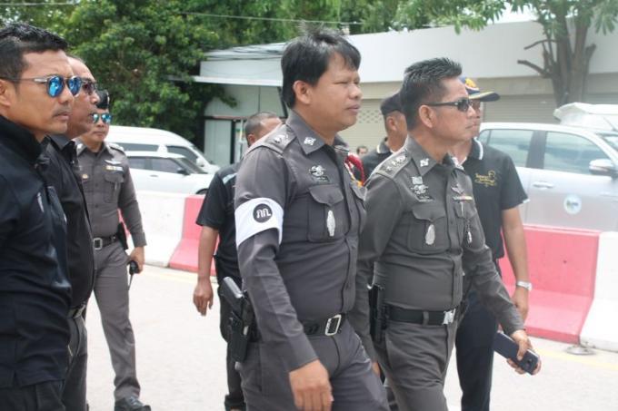 Les officiels de Phuket patrouillent la jetée de Rawai