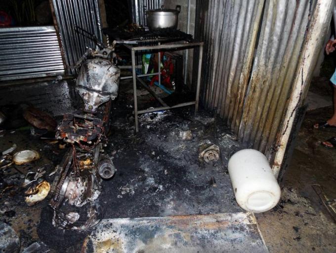 Incendie dans une maison, 100.000 baths de dégâts