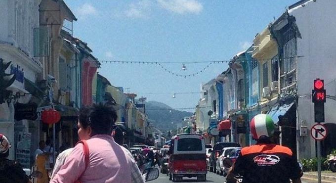 Nouvelles règles de parking sur Thalang Rd