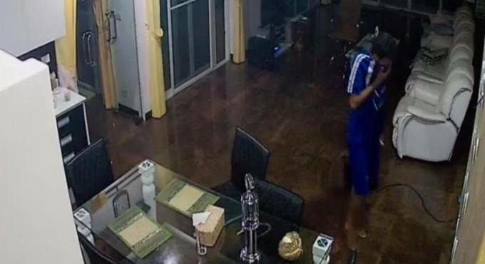 La victime d'un cambriolage demande de l'aide