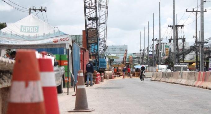 La construction du tunnel jugée trop longue par le maire de Rawai