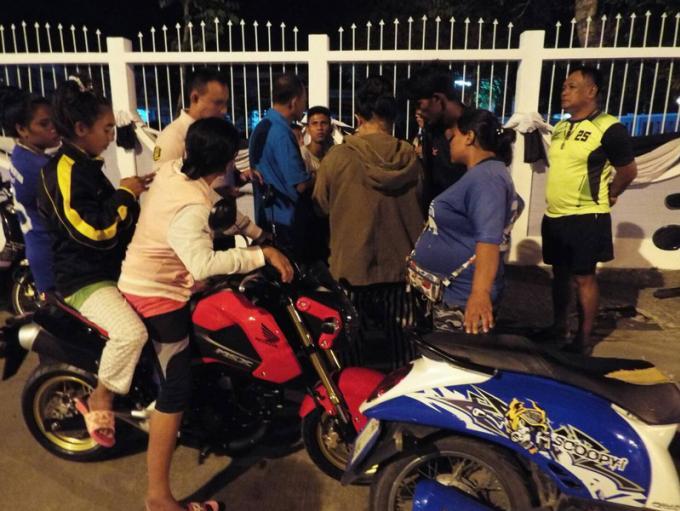 Des habitants de Phuket protestent après de abus policiers lors d'arrestations dans des affaires
