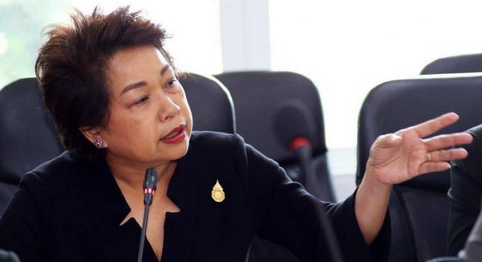 La maire de Patong en appel a plus de sécurité après l'accident de car mortel