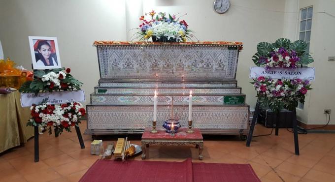 "La police attend les résultats de l'autopsie de Pischa ""Lek"" Nampadung, la cremation a deja e"