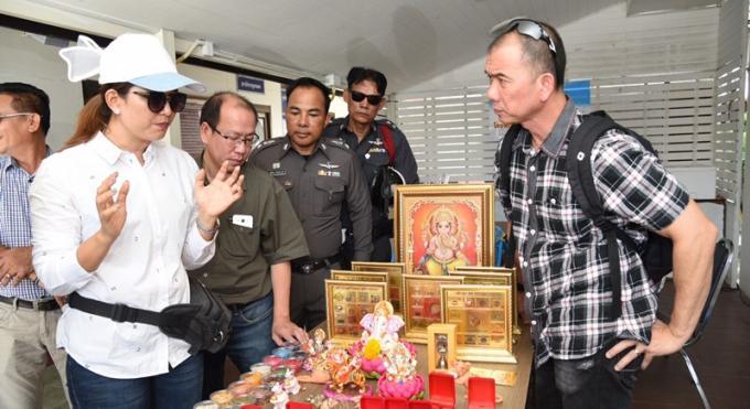 Des vendeurs d'antiquités religieuses arnaqués de plusieurs millions de bahts