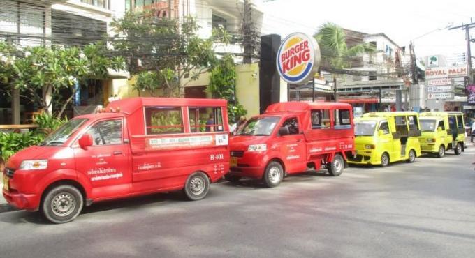 Les taxis de Patong devront rendre les places de parking aux public avant le 3 Août