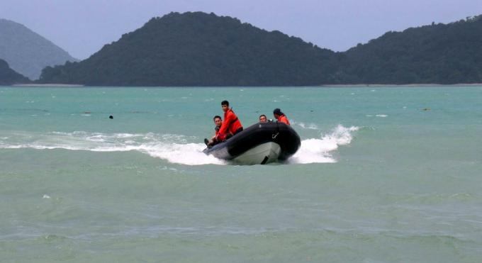 La marine effectue des exercices de sauvetage en mer