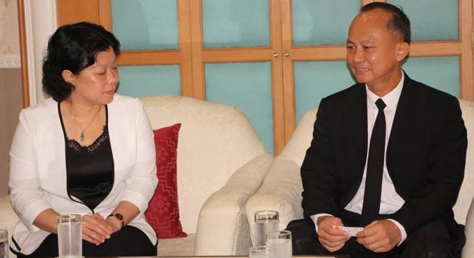 La vice maire Zhanjiang en visite a Phuket