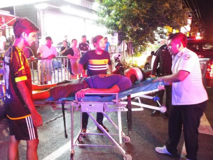 Deux hommes attaqués a la sortie d'un club