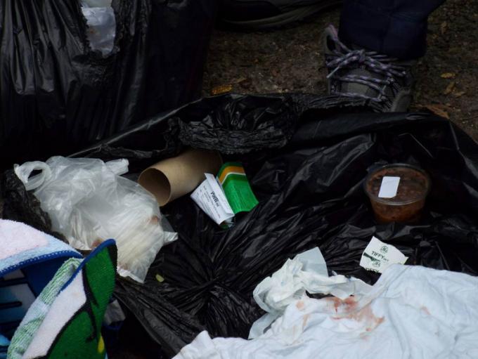 Un foetus retrouvé dans une poubelle