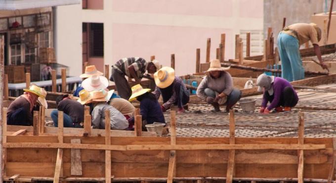 Plus de 16,000 travailleurs inscrits au centre des migrants