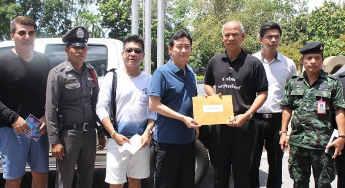 Le vice gouverneur esquive les questions de fermeture tardive des établissements de Phuket Town