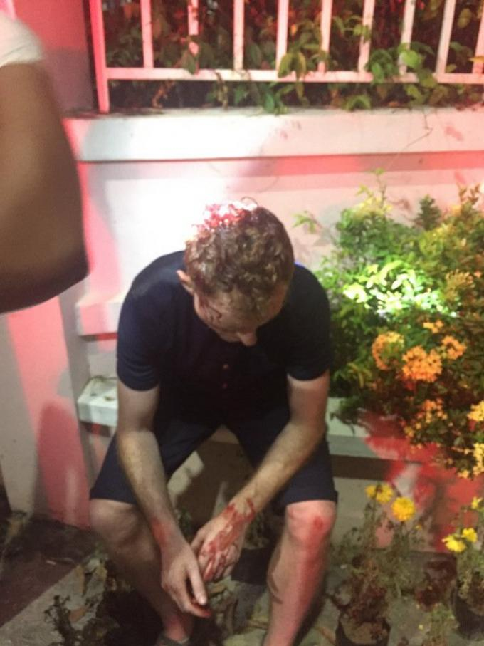 Un touriste éjecté d'un tuk-tuk