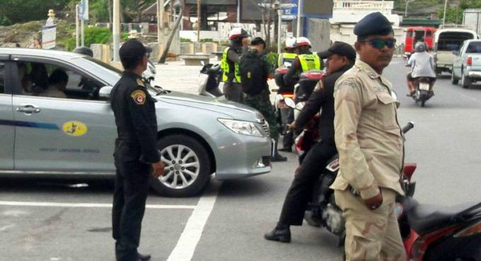 L'armée ouvre le feu : premières amendes pour les taxis et tuk-tuks de Patong