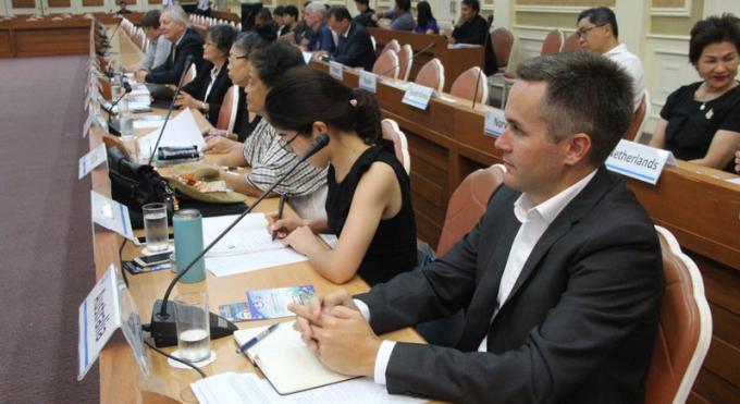 Le gouverneur de Phuket et les consuls se rencontrent pour discuter tourisme