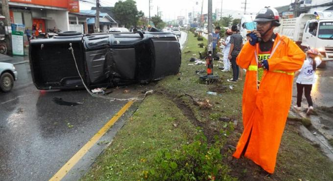 Carambolage a Phuket, 5 véhicules, 2 blessés