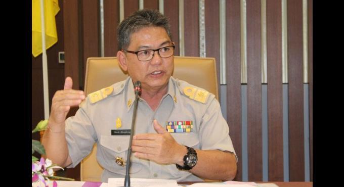 Le responsable des élections a Phuket briefe son staff sur les procédés électoraux