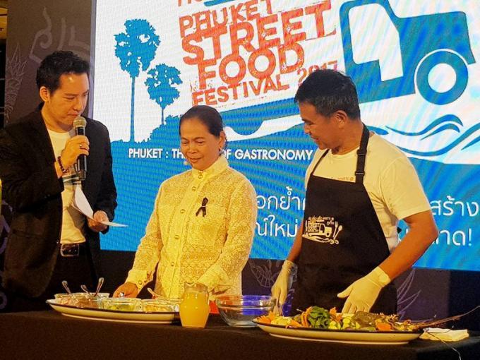 Le gouverneur aux fourneaux pour le Phuket Street Food Festival a Bangkok